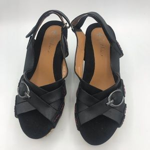 Earthies Wedge Sandals size 7B